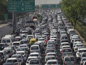 traffic-jam-nh8_2a90fd92-1030-11e6-a855-9958039a7c6d