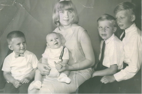 Dan on the left with his four siblings
